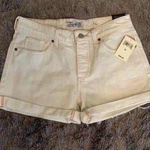 Lucky Brand NWT cream denim shorts